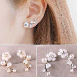 Jewelry - ⭐️Flower earrings